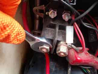 Riding Mower Won't Start Just Clicks - This is why!