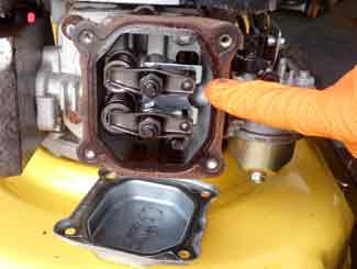Mower Engine Valve Adjustment | Lawnmowerfixed  com