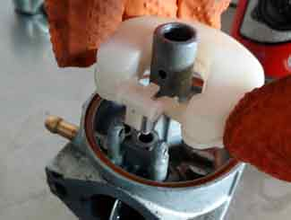 Honda mower carburetor jet
