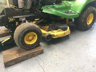 Tractor mower deck clean